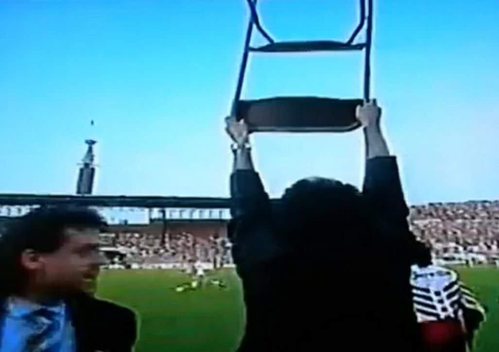 Tanti auguri Mondo,la tua sedia entrata nella storia