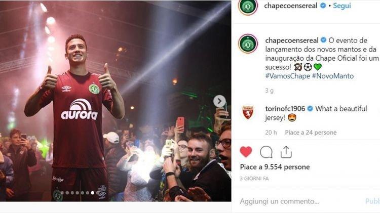 Chapecoense e Torino uniti : la maglia del portiere è granata