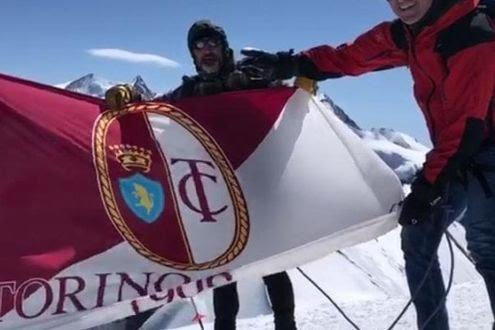 Bruno e Annoni portano la bandiera del Toro sul Breithorn