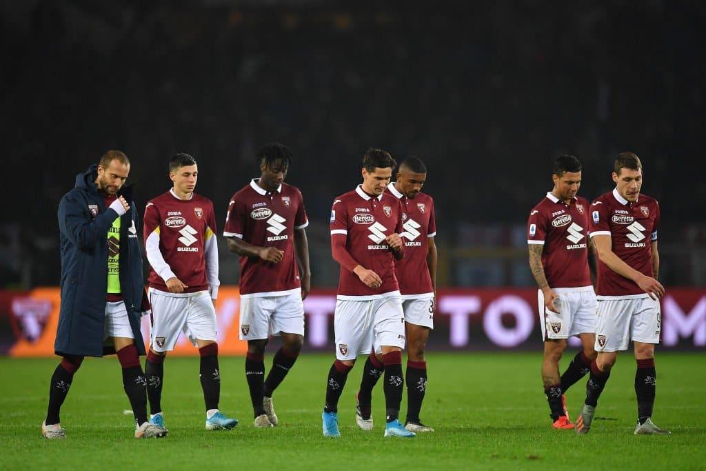 Tre punti e niente altro,squadra contestata nella notte a Torino: la piazza è delusa