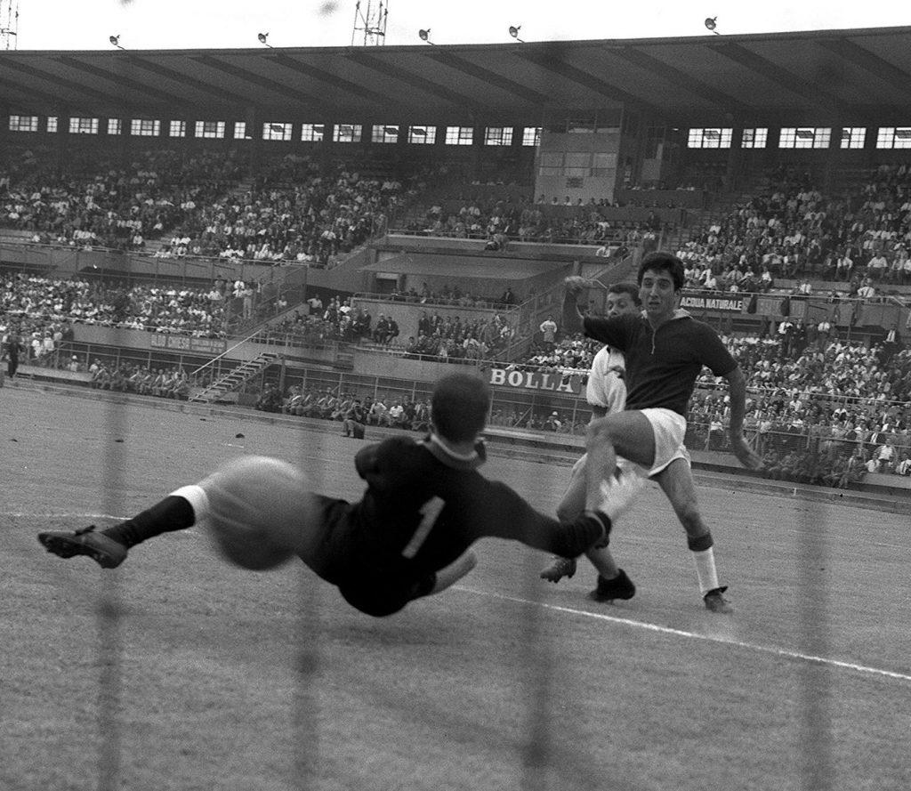 """Meroni avrebbe compiuto oggi 78 anni la """"farfalla granata"""", che fermò l'imbattibilità della grande Inter"""